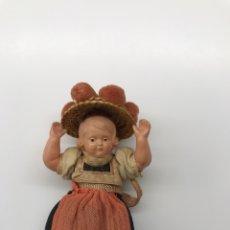 Muñecas Porcelana: ANTIGUA MUÑECA DE CELULOIDE SCHILDKROT CON TRAJE DE LA SELVA NEGRA. Lote 223088930