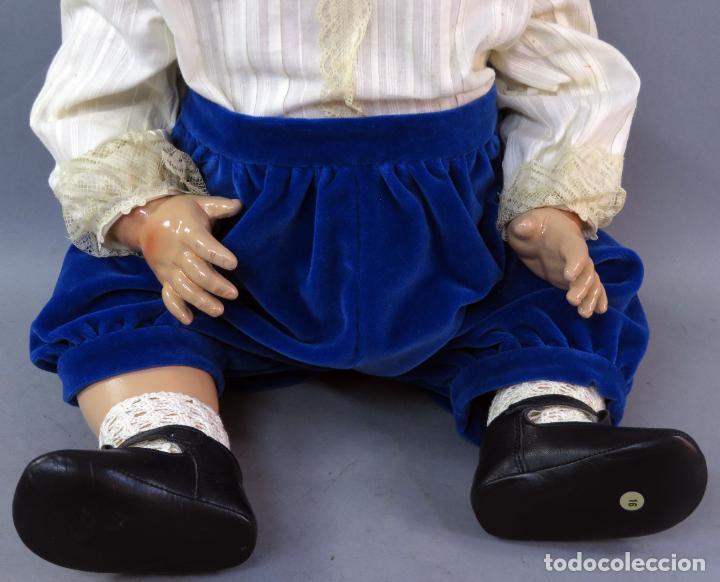 Muñecas Porcelana: Muñeca Kammer & Reinhardt KR 22 cabeza porcelana marca nuca cuerpo composición 60 cm alto - Foto 4 - 223482216