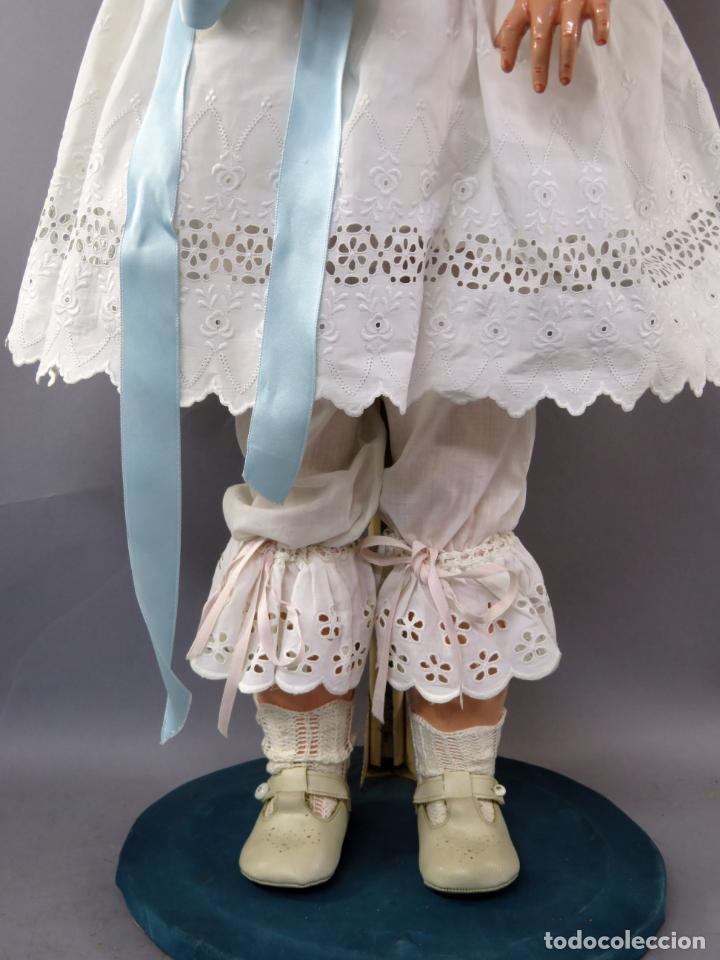 Muñecas Porcelana: Muñeca cabeza porcelana cuerpo madera articulado marca nuca 444 16 ojo durmiente 80 cm alto - Foto 4 - 223485392