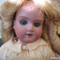 Muñecas Porcelana: ANTIGUA MUÑECA ALEMANA DE 1900 ARMAND MARSEILLE 390 BISQUE DE 30 CM. Y MADERA ARTICULADA. Lote 225915205