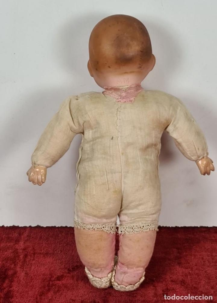 Muñecas Porcelana: MUÑECO BEBÉ. CABEZA Y MANOS DE PORCELANA. CUERPO DE PAJA. ALEMANIA. CIRCA 1920. - Foto 5 - 226950040