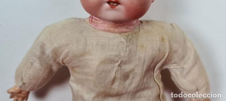 Muñecas Porcelana: MUÑECO BEBÉ. CABEZA Y MANOS DE PORCELANA. CUERPO DE PAJA. ALEMANIA. CIRCA 1920. - Foto 8 - 226950040