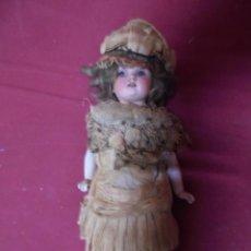 Bonecas Porcelana: MAGNIFICA ANTIGUA MUÑECA DE MADERA Y PORCELANA OJOS DE CRISTAL. Lote 233533980