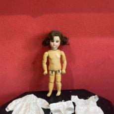 Muñecas Porcelana: ANTIGUA MUÑECA PORCELANA OJOS CRISTAL. VER FOTOS. Lote 257496240