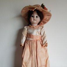 Bambole Porcellana: ANTIGUA MUÑECA PORCELANA OJOS DE CRISTAL GRAN ESTADO Y ORIGINAL 40 CM. Lote 259877490
