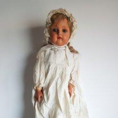 Bambole Porcellana: ANTIGUA Y GRAN MUÑECA OJOS DURMIENTES ARTICULADA COMPOSICIÓN TORTUGA GRAN ESTADO Y ORIGINAL 60 CM. Lote 259880610