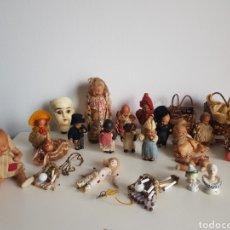 Bambole Porcellana: ANTIGUA MUÑECA PORCELANA OJOS DE CRISTAL TERRACOTA BARRO ARCILLA ACCESORIOS GRAN LOTE Y ORIGINAL. Lote 260404495