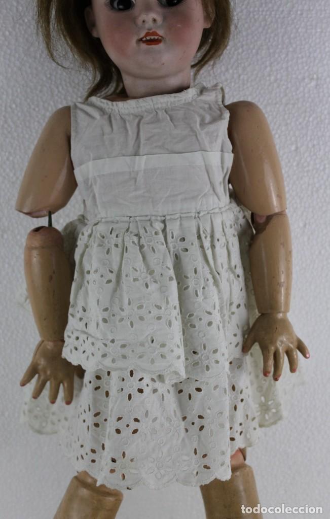 Muñecas Porcelana: Muñeca con cara de porcelana biscuit y cuerpo de composición de principios del siglo XX - Foto 10 - 262246355