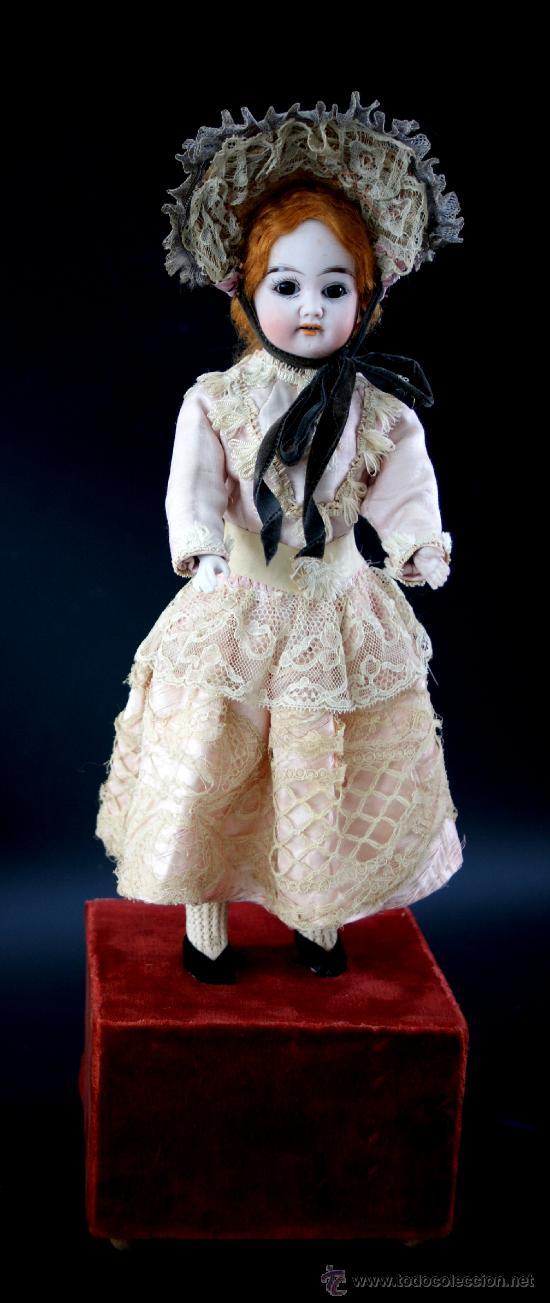 MUÑECA DE BISCUIT - CAJA DE MÚSICA - FABRICANTE - DE FUISSEAUX - TODO ORIGINAL - AÑOS 1900 - RARA (Juguetes - Muñeca Extranjera Antigua - Porcelana Francesa)