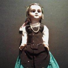 Muñecas Porcelana: MUÑECA LEHMANN & CIA CON TRAJE REGIONAL DE PUBILLA CATALÁN. BARCELONA, PPS S. XX.. Lote 227151655