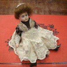 Muñecas Porcelana: ANTIGUA Y ORIGINAL MUÑECA FRANCESA TIPO MADAME-DE BISCUIT CON VESTIDO ORIGINAL - FINALES DEL S. XIX. Lote 40004249