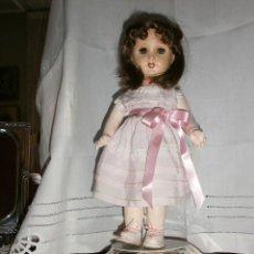 Muñecas Porcelana: MUÑECA UNIS ANDADORA FRANCESA. Lote 54837443