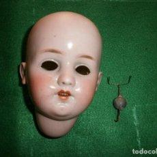 Muñecas Porcelana: CABEZA DE MUÑECA ANTIGUA MARCA LC C. 4. FRANCESA VER FOTOS. Lote 67845529