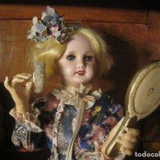 Muñecas Porcelana: MUÑECA ANTIGUA AUTÓMATA MUSICAL CABEZA EN BISCUIT, JUMEAU UNISFRANCE. EL VESTIDO ES ORIGINAL DE SEDA. Lote 68466885