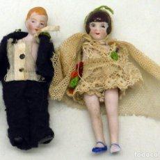 Muñecas Porcelana: PAREJA NOVIOS PORCELANA BISCUIT AÑOS 20 ROPA MUY ROTA. Lote 103942643