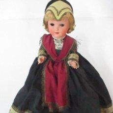 Muñecas Porcelana: MUÑECA CADETTE, POUPEES - VESTIDO TRADICIONAL - NICE, FRANCIA - CARTÓN PIEDRA - AÑOS 50. Lote 114468743