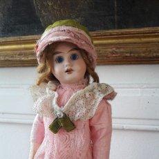 Muñecas Porcelana: MUÑECA FRANCESA. CABEZA DE BISCUIT Y CUERPO DE COMPOSICION. Lote 123005595