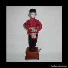 Muñecas Porcelana - AUTÓMATA. COSACO RUSO CON INSTRUMENTO MUSICAL TIPO TAMBOR. FRANCIA. FINALES 1800 PRINCIPIOS 1900. - 55321257