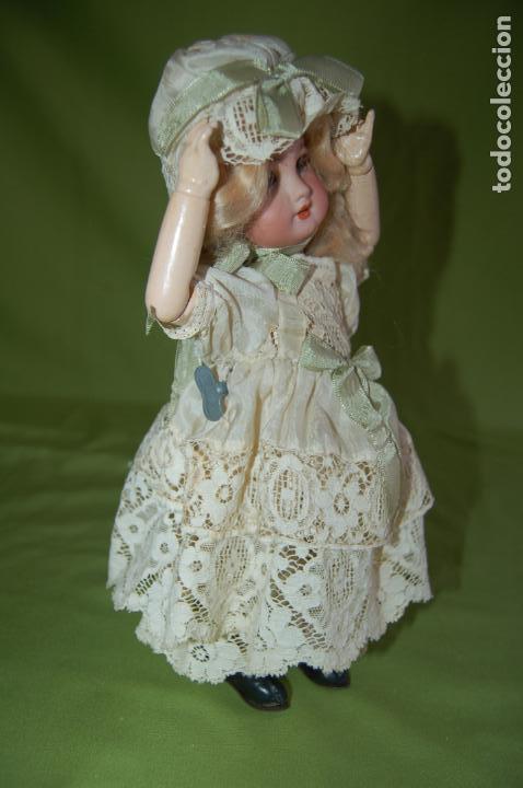 Muñecas Porcelana: dep jumeau automata andadora a cuerda funciona - Foto 10 - 133000310