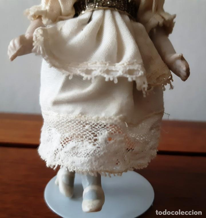 Muñecas Porcelana: Preciosa muñeca antígua con cuerpo y cabeza de biscuit para casa de muñecas - Foto 4 - 144531178