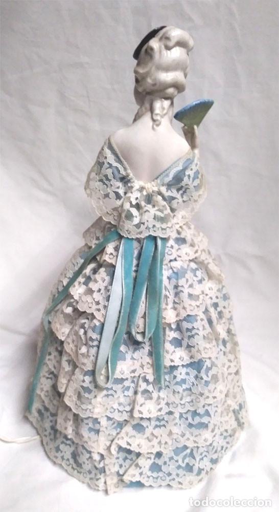 Muñecas Porcelana: Muñeca Lampara Mujer de Porcelana años 30, buen estado y funciona. Med 32 cm - Foto 2 - 154720138
