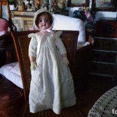 Muñecas Porcelana: HERMOSA MUÑECA FRANCESA DEP. TIENE UNA PEQUEÑA MUESCA EN EL OJO IZQUIERDO 70 CTMS.. Lote 166532430