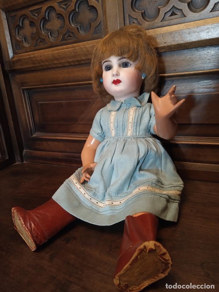 Muñecas Porcelana: Preciosa muñeca francesa de la casa Jumeau. Depose. E9J. Talla 9. Cuerpo de cartón. Ojos azules. - Foto 2 - 182715390