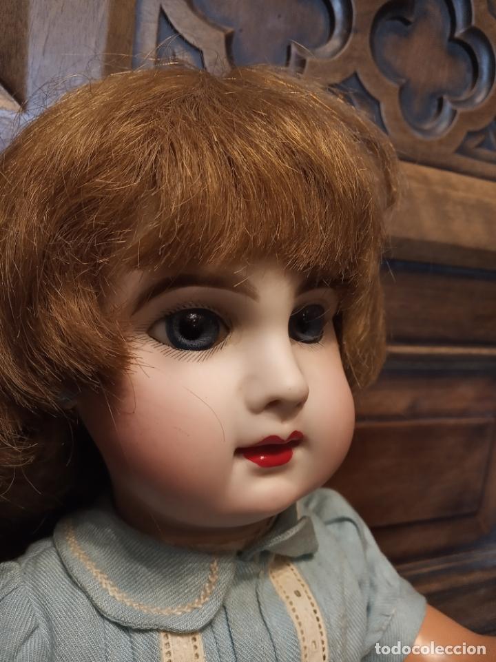 Muñecas Porcelana: Preciosa muñeca francesa de la casa Jumeau. Depose. E9J. Talla 9. Cuerpo de cartón. Ojos azules. - Foto 3 - 182715390