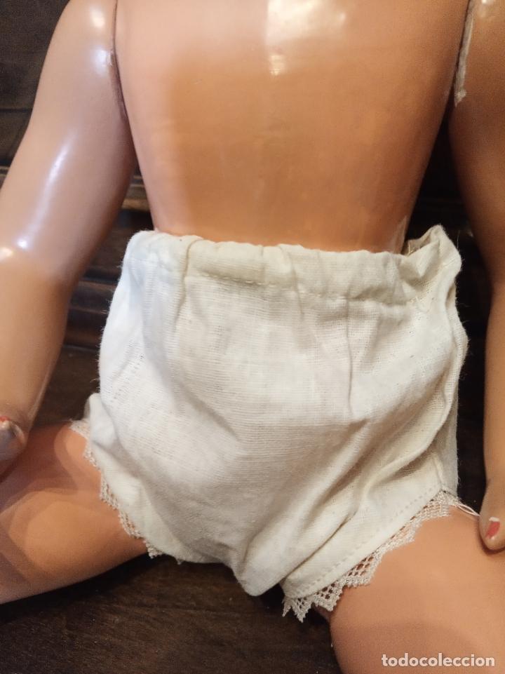 Muñecas Porcelana: Preciosa muñeca francesa de la casa Jumeau. Depose. E9J. Talla 9. Cuerpo de cartón. Ojos azules. - Foto 10 - 182715390
