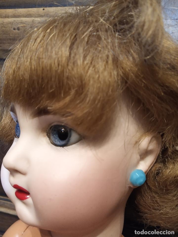 Muñecas Porcelana: Preciosa muñeca francesa de la casa Jumeau. Depose. E9J. Talla 9. Cuerpo de cartón. Ojos azules. - Foto 16 - 182715390