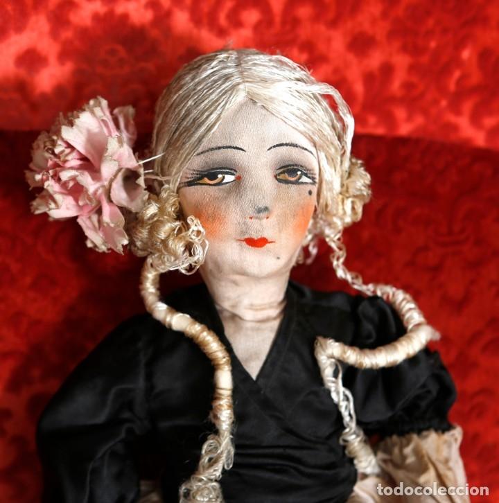 Muñecas Porcelana: Muñeca pouppe boudoir, de tocador o de cama, vestido de seda - Foto 2 - 182783841