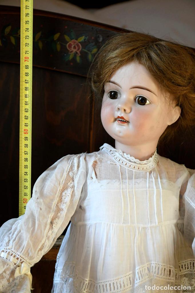 Muñecas Porcelana: Bellísima muñeca articulada en parque infantil original. Entre el XIX y el XX. - Foto 4 - 183466912