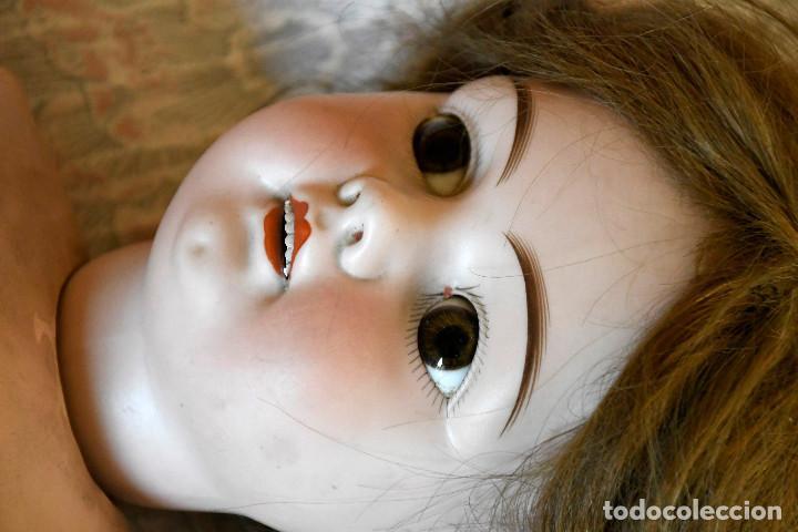 Muñecas Porcelana: Bellísima muñeca articulada en parque infantil original. Entre el XIX y el XX. - Foto 9 - 183466912