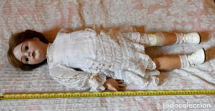Muñecas Porcelana: Bellísima muñeca articulada en parque infantil original. Entre el XIX y el XX. - Foto 16 - 183466912