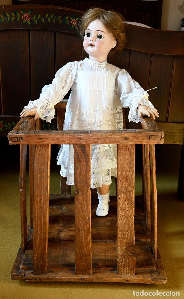 Muñecas Porcelana: Bellísima muñeca articulada en parque infantil original. Entre el XIX y el XX. - Foto 17 - 183466912