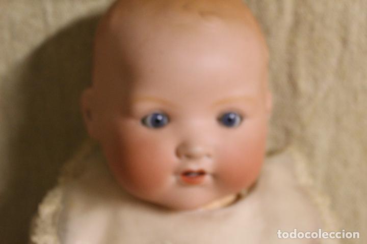 Muñecas Porcelana: Muñeco bebé de cara de porcelana.Cuerpo cartón piedra.Fdo AM.Armand Marseille.Alemania.S XIX-XX. - Foto 8 - 220560007