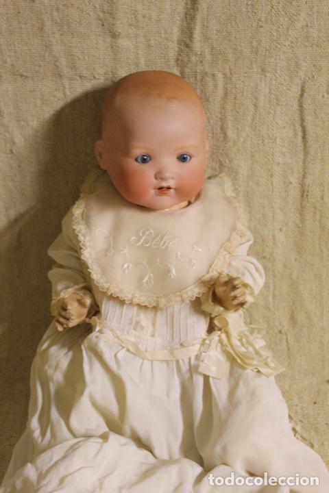 Muñecas Porcelana: Muñeco bebé de cara de porcelana.Cuerpo cartón piedra.Fdo AM.Armand Marseille.Alemania.S XIX-XX. - Foto 12 - 220560007