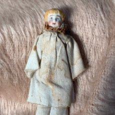 Muñecas Porcelana: MUÑECA FRANCESA ANTIGUA EN PORCELANA PARA CASA DE MUÑECAS. Lote 220869466