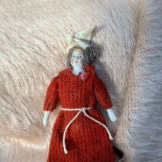 Muñecas Porcelana: MUÑECA ANTIGUA EN PORCELANA PARA CASA DE MUÑECAS O TEATRO. Lote 220869881