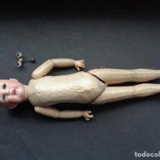 Muñecas Porcelana: MUÑECA ANTIGUA DE PORCELANA CON DETERIOROS. Lote 234830795