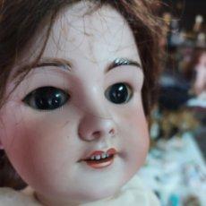Muñecas Porcelana: PRECIOSA MUÑECA ANTIGUA ARTICULADA. Lote 236348840