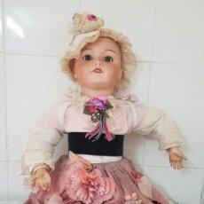 Muñecas Porcelana: MUÑECA SIGLO XIX CON CABEZA DE PORCELANA CUERPO ARTICULADO INMEJORABLE ESTADO ALTA COLECCIÓN. Lote 236377410