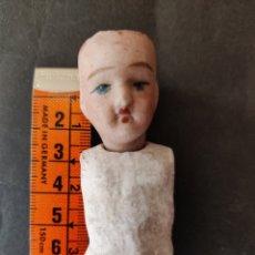 Muñecas Porcelana: CABEZA DE BISCUIT Y TORSO DE COMPOSICIÓN. Lote 245194290