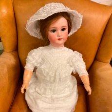 Muñecas Porcelana: ENORME MUÑECA ANTIGUA DE PORCELANA MARCA DEP. Lote 249028515