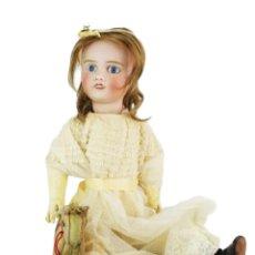 Muñecas Porcelana: REF T8 - MUÑECA COMPOSICIÓN PETITE FRANCAISE JULES VERLINGUE - 65CM. PPS SXX. Lote 225162732