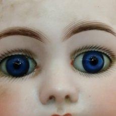 Muñecas Porcelana: ANTIGUA MUÑECA EN MADERA Y CABEZA PORCELANA DEP 7, BRAZOS ARTICULADOS, (50X15). Lote 288932163