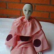 Muñecas Porcelana: MUÑECA DE PORCELANA CON CUERPO DE TELA , MEDIDAS 59 CM.. Lote 23696681
