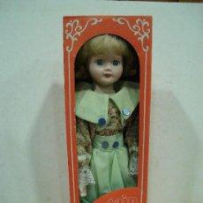 Muñecas Porcelana: MUÑECA DE PORCELANA. PORCELAIN DOLL.. Lote 23103902