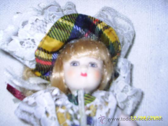 MUÑECA DE PORCELANA COMPLETA - MIDE23 CM (Juguetes - Muñeca Extranjera Moderna - Porcelana)