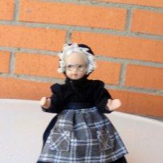 Muñecas Porcelana: MUÑECA DE PORCELANA , MIDE ALTO 16 CM.. Lote 28494356